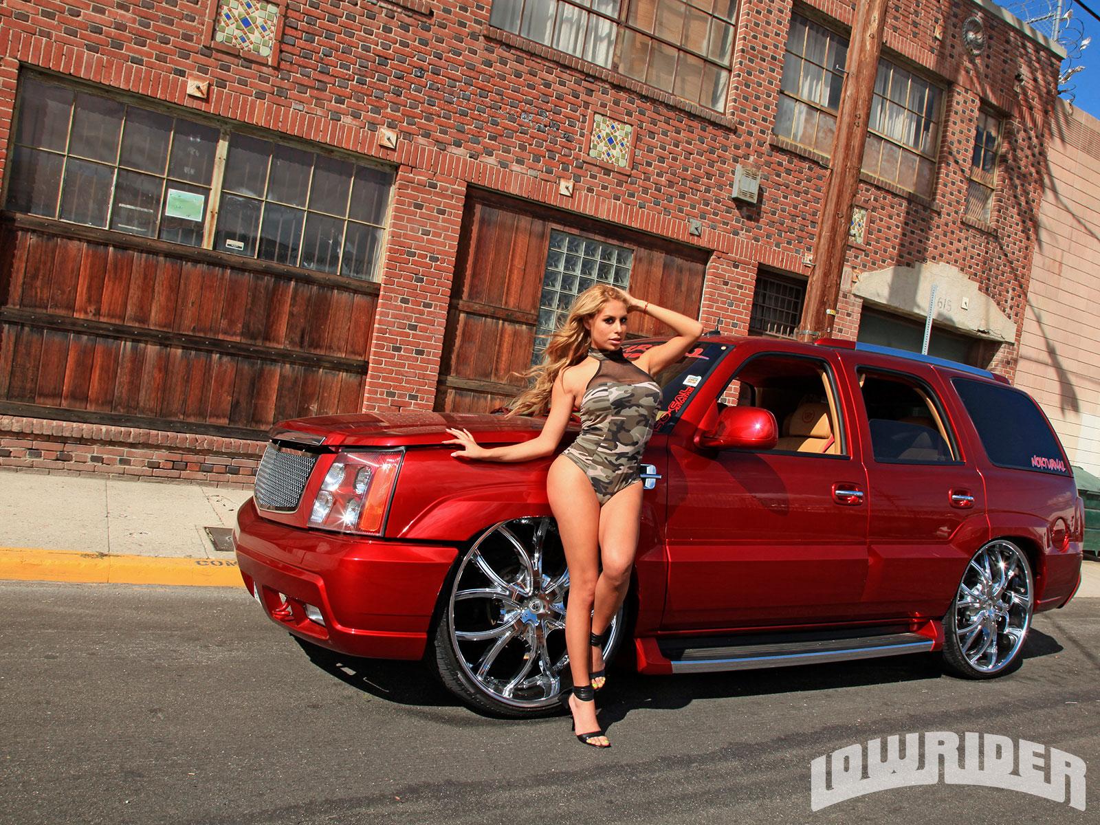 2002 Cadillac Escalade, hoto credits: Lowrider.com