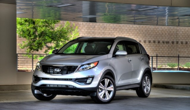 2015 Kia Sportage. Photo credits:http://www.thecarconnection.com/overview/kia_sportage_2015