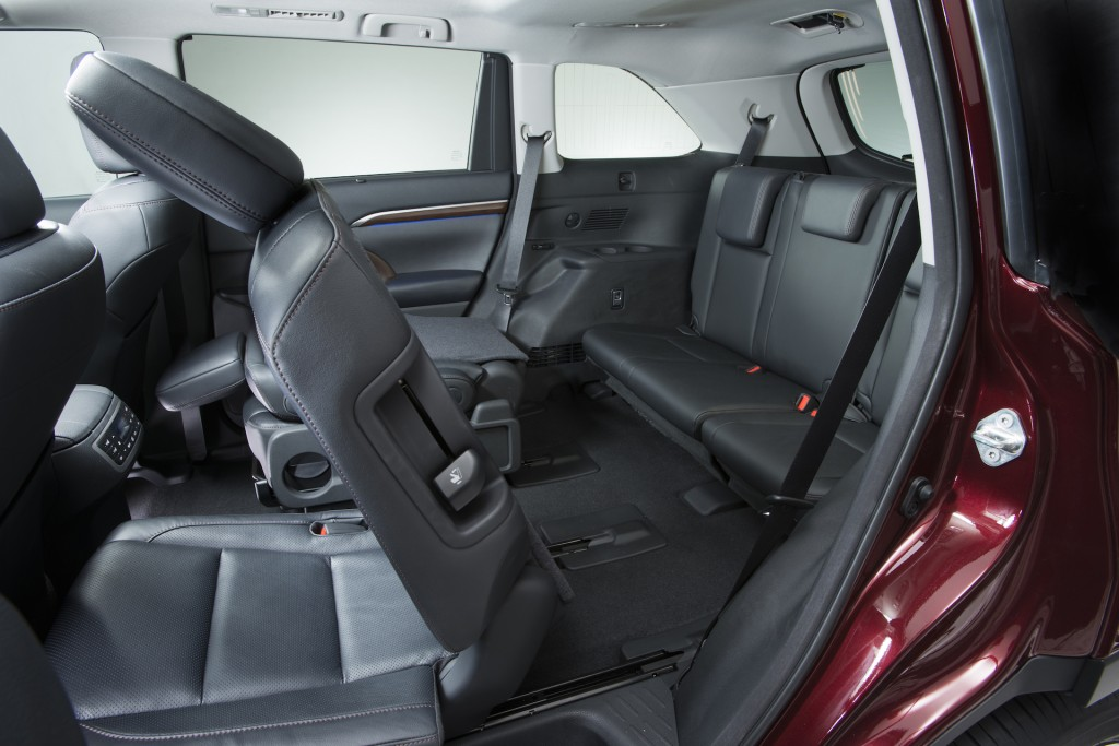 2015 Toyota Highlander Interior. Photo Credits: http://www.thecarconnection.com/photos/toyota_highlander_2015