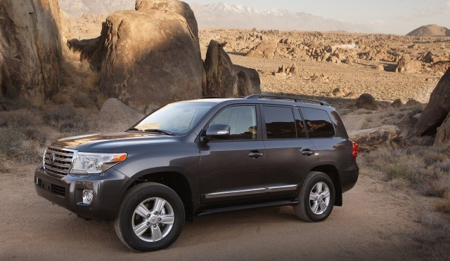 2015 Toyota Land Cruiser Insurance Rates, Interior, Exterior, Performance, Price etc