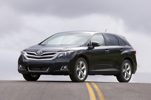 2015 Toyota Venza. Photo credits: http://www.thecarconnection.com/overview/toyota_venza_2015