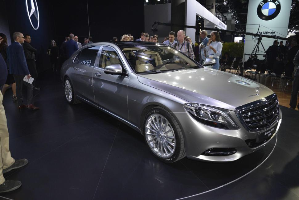 2016 Mercedes Maybach S600. Photo credits: http://www.nydailynews.com/autos/auto-shows/auto-show-2016-mercedes-maybach-s600-article-1.2017855