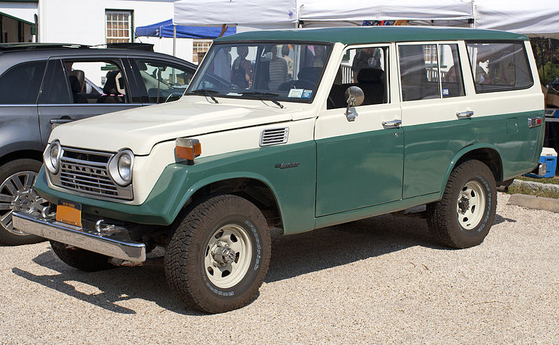 1979 Toyota Land Cruiser. Photo credits: http://en.wikipedia.org/wiki/Toyota_Land_Cruiser#mediaviewer/File:1979_Toyota_Land_Cruiser_FJ55.jpg