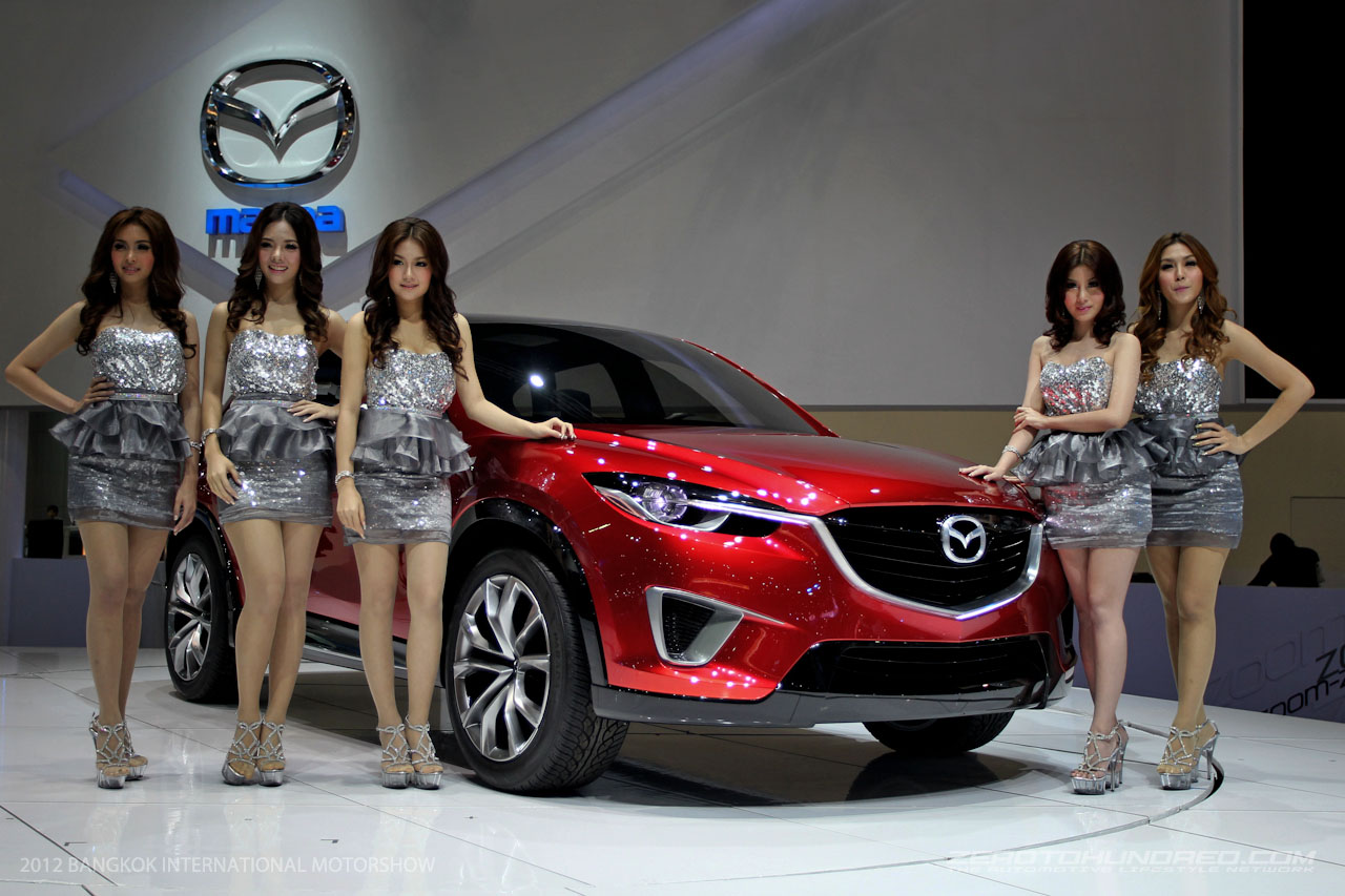 Hot girls with Mazda CX-3