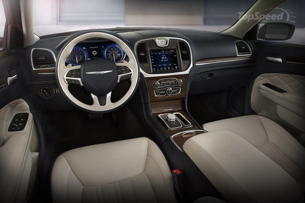 2015 Chrysler 300 Interior