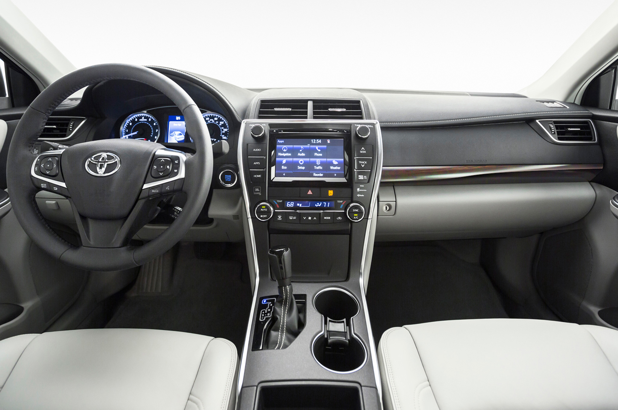 2015 toyota camry interior photo credits http wot motortrend
