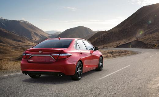 2015 Toyota Camry XSE. Photo credits: http://www.caranddriver.com/photos-14q2/589216/2015-toyota-camry-xse-photo-589426