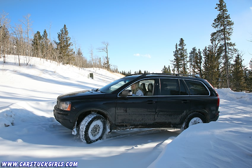 Snowboard girl in Volvo XC90