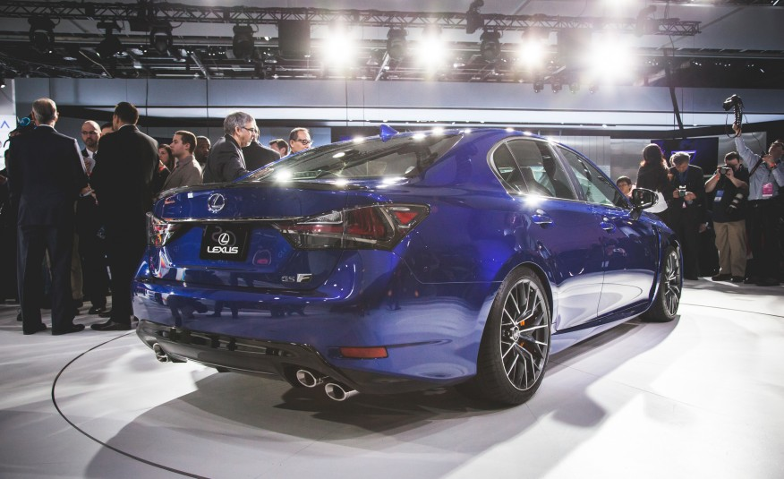 2016 Lexus GS F back on 2015 NAIAS
