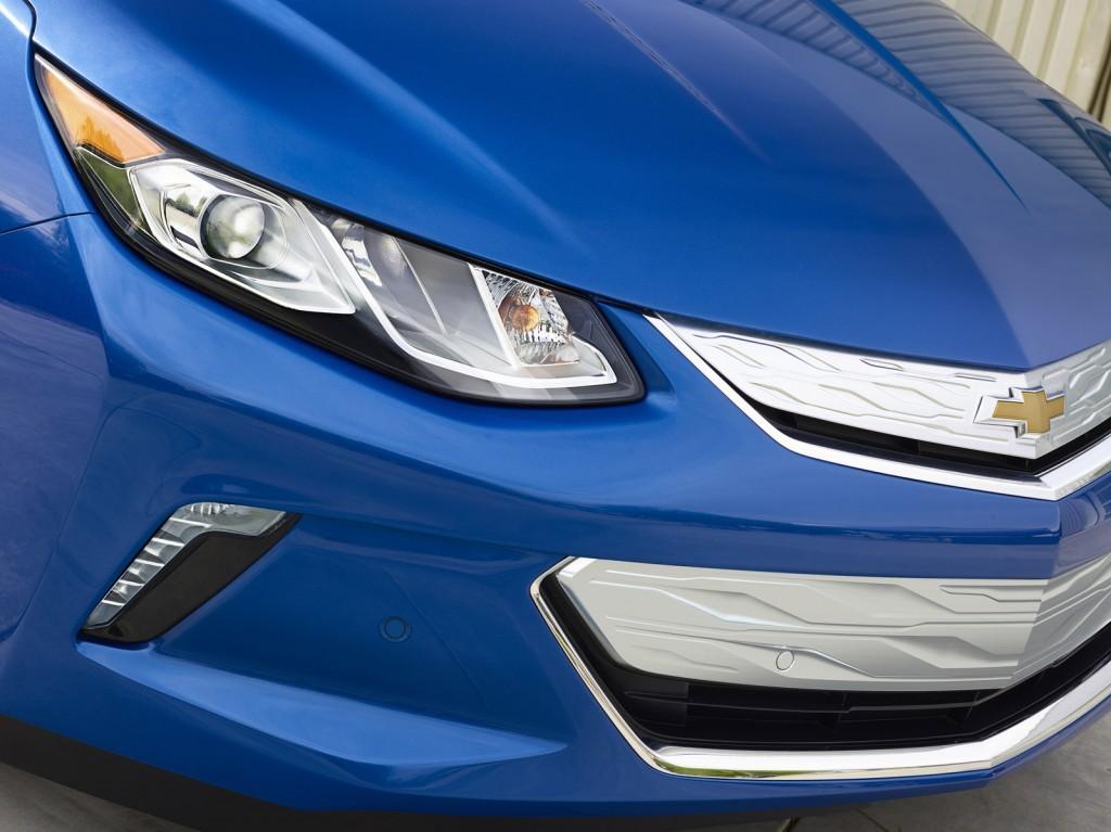 2016 Chevrolet Volt Front Fascia