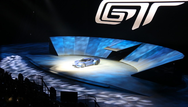 2017-ford-gt-concept-02_653