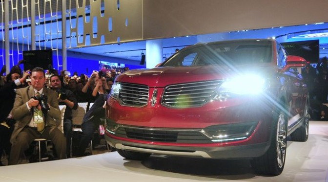 2015 NAIAS Debuts: 2016 Lincoln MKX