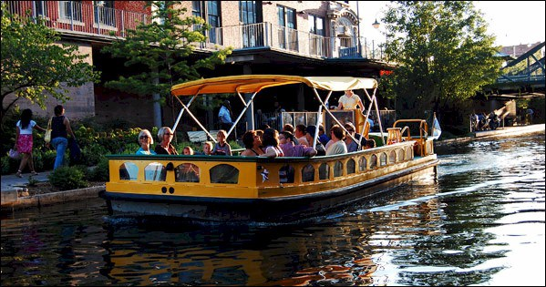 Bricktown Water Taxi in Oklahoma City, Photo credits: Oklahoma Blogger