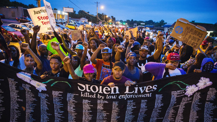 Ferguson protesters. Photo credits: rt.com
