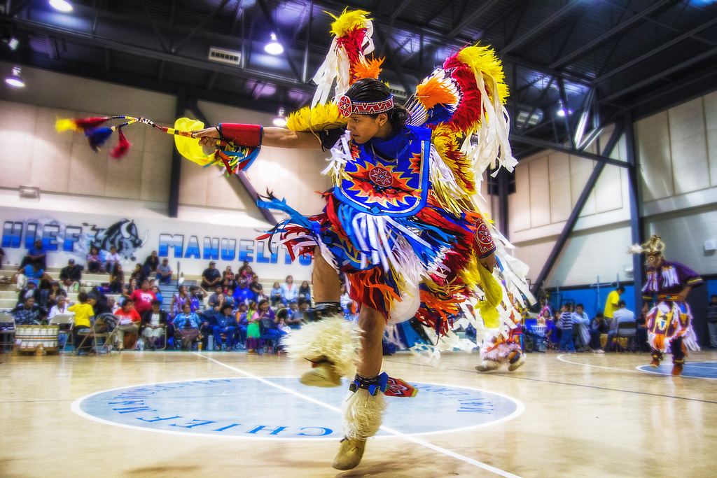 UNM- Gallup Native American Club Dancing. Photo credits: Navajophotography.org