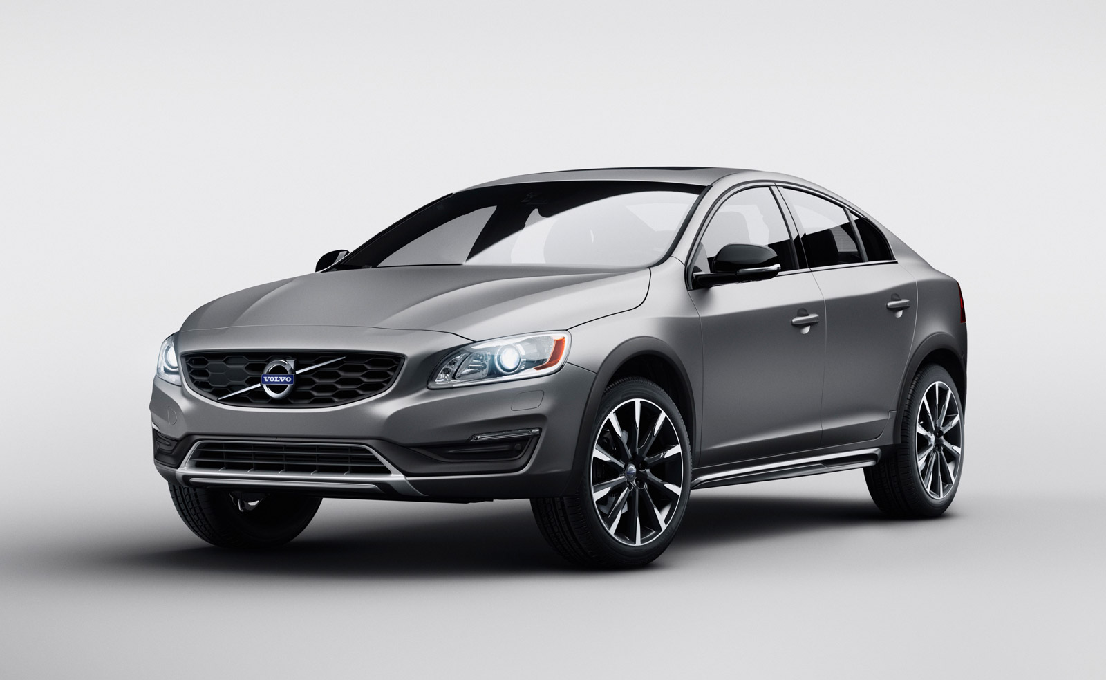 2016-volvo-s60-cross-country_100496279_h