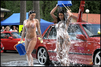 Hot Girls Washing Volvo